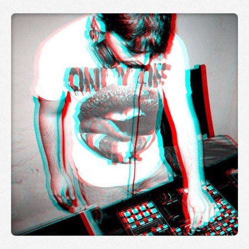 Dylan Glanz - 2+2 (Original Mix)