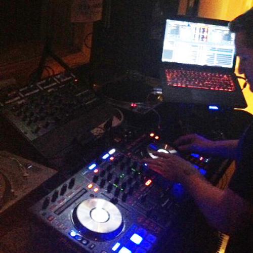 House Of Soul 88.5 FM - John Velez w Guest Dj Axel V - 2-17-13