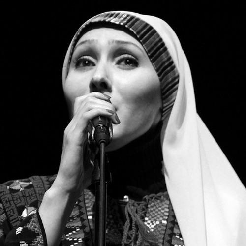 كمقابر الشهداء صمتك - لارا عليان