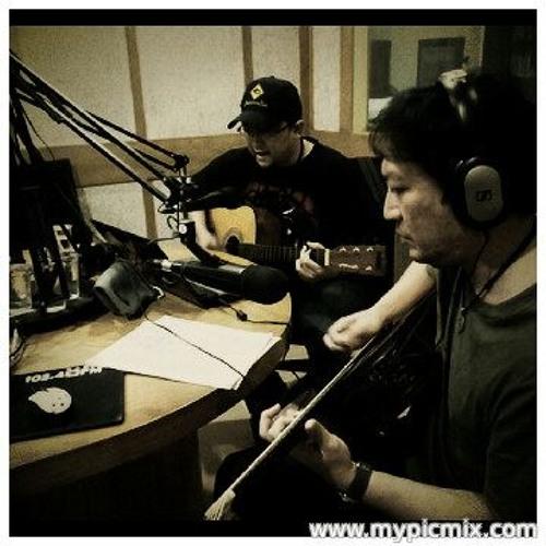 #41 (Dave Matthews Band cover) Me & Budi live at D Radio jkt jan 2013