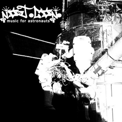 01 Statik (The Astronaut)
