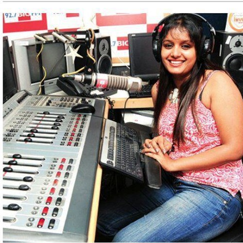 this girl is my target today- lets call her-on 92.7big fm retro savaari with rjrapidrashmi
