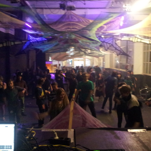Ankur- lively DJ-set at Rooticaly Berlin Feb 2013 (141-150 BPM)