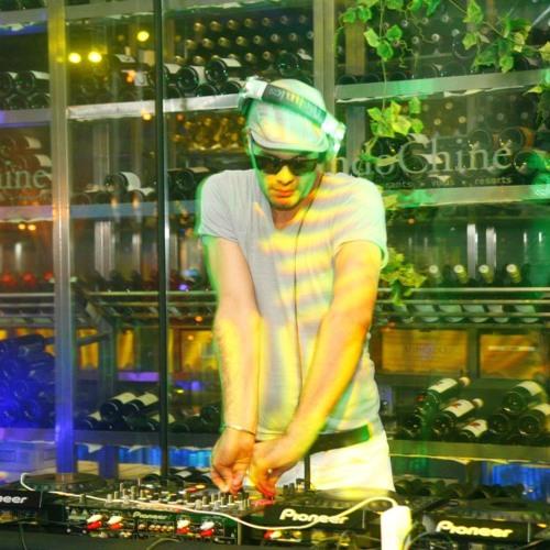 DJMUS -Live Set in Adelaide Australia  https://www.facebook.com/TokyoLoco.JP