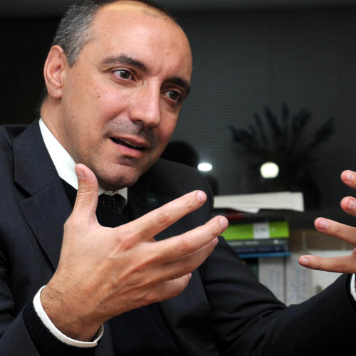 Miguel Carbonell, Especialista en Derecho Constitucional en la UNAM