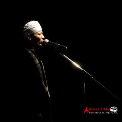 زين محمود - يبكي ويضحك
