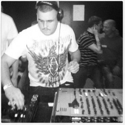 RE-FORM ON TOXIC SICKNESS RADIO | GABBER SET | SHOW #2 | 11TH MARCH 2013