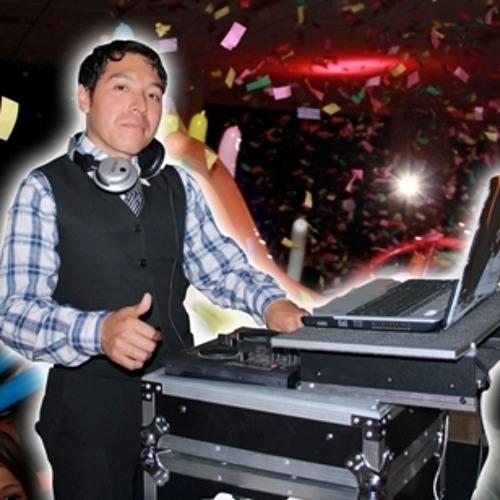 (100 sube 130) DJ Mitchell - ombligo vs scream and shout (pase villera a electronica)