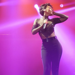 If a´int got you Alicia Keys (sound alike) México