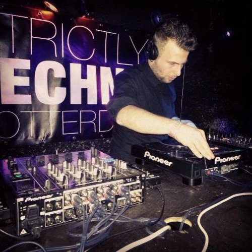 Timothy Luppez @ STRICTLY TECHNO /w TOMMY FOUR SEVEN | 15-3-2013