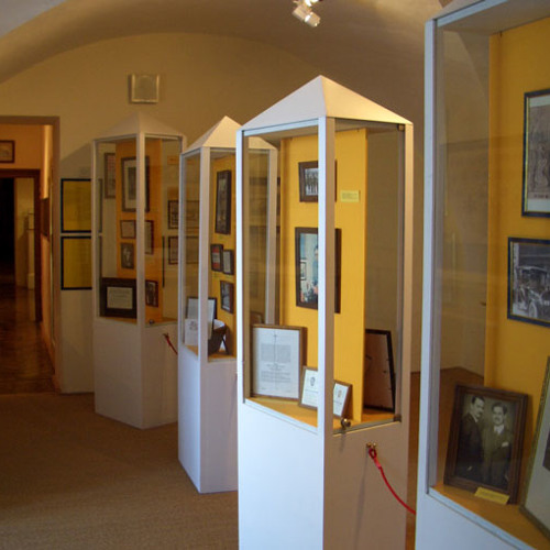 Sample of audio-tour through Franz Ferdinand Museum in German: FF as collector (in German)