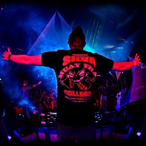 Showtek & Tiesto 'Hell Yeah' (DJ Chuck-E v Tranz-Linquants bootleg)