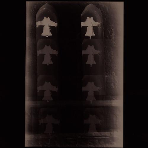 Les Yeux Fermés (Georgina Brett, Knopfdreher, Moody Alien)