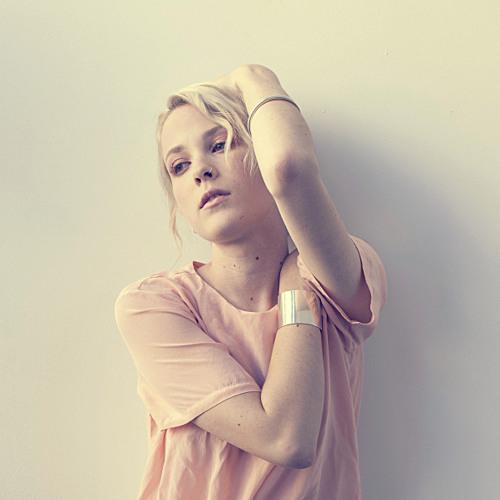 Emma Louise - Tessellate (Alt-J Cover)