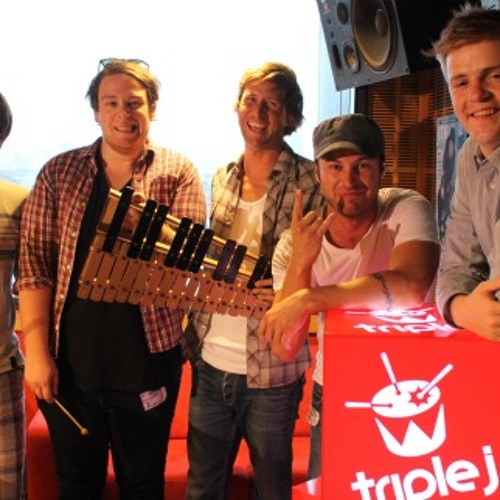 The Mission In Motion - Punching In A Dream Live from Triple J
