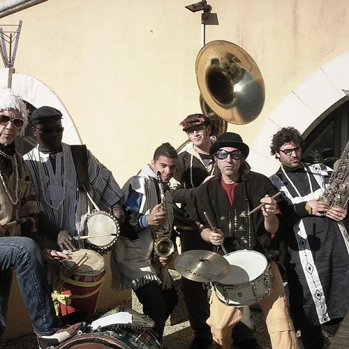 L'Elephant Brass Machine !! Fanfare afro jazz singulière !