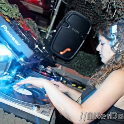 Lisa Matrix - Headrush FM 2012
