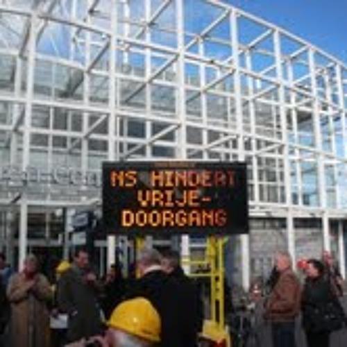 2013-03-29 PvdA-duoraadslid Gijs Holla over de ov-poortjes bij Leiden Centraal