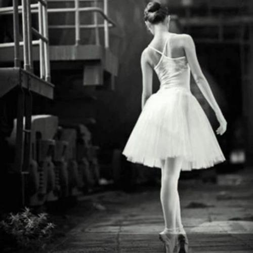 سَأحاول الرَقص وَحدِي
