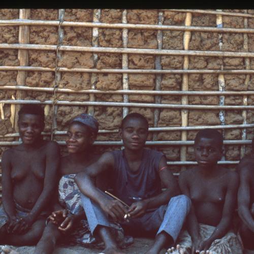 BaAka men impersonate gorillas [8/21] (Central African Republic, 1987) [1997 21 2 17 A 8]