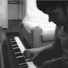 TEMA MORENA-Salve Jorge- by lucas franzoni piano