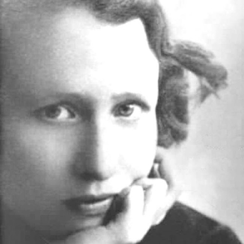 """What lips my lips have kissed, and where, and why,"" by Edna St. Vincent Millay (read by Xe Sands)"