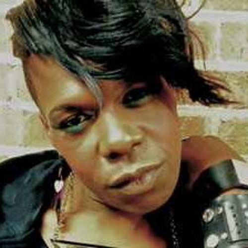 Big Freedia -- They Loving Da Crew  at Put da hoes to bed vol.8
