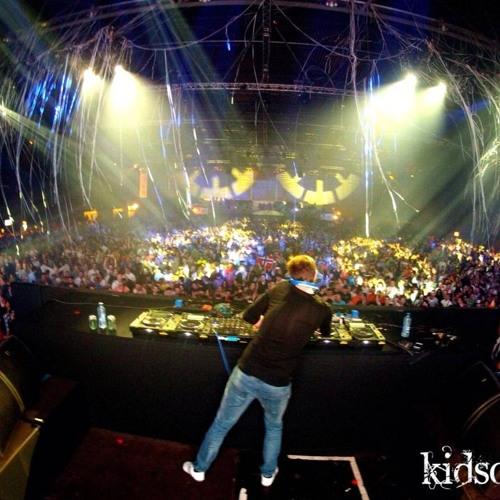 Bryan Kearney - Live at A State of Trance 600 Den Bosch 06-04-2013