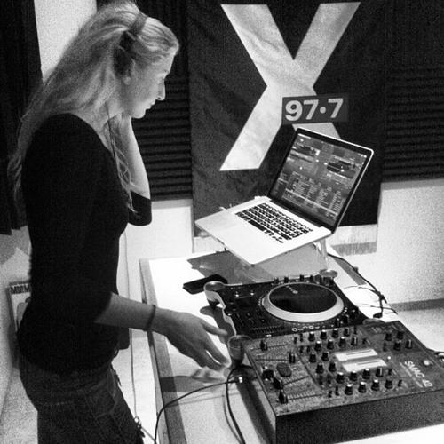ELEMENTS RADIO SHOW @ X-IÐ 977 // APRIL 2013