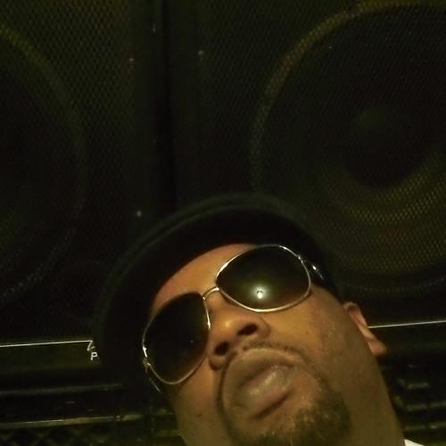 2 Chainz - Mike Vick  Remix   Feat  Gucci Mane, Baby Floss   Prod  By DJ Gutta