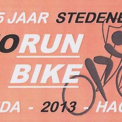 2013-04-11 Torun-loop Leiden-Den Haag aftrap 25 jaar stedenband