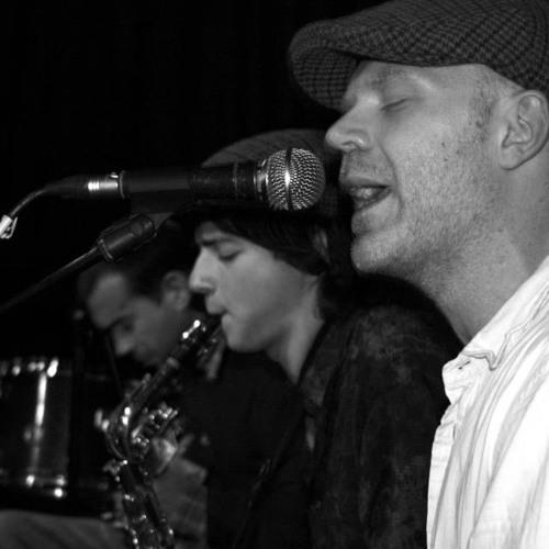 Live jam with Hugo Lee on Saxophone