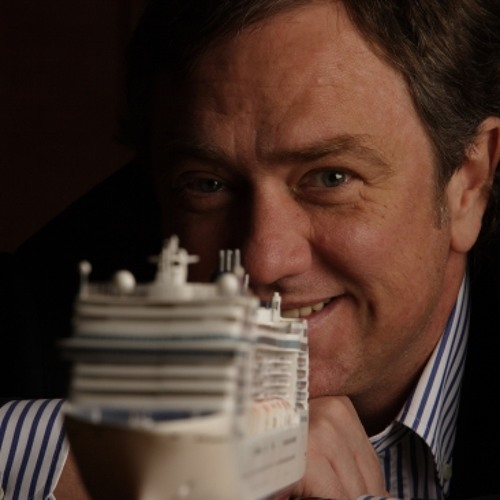 Pierfrancesco Vago (CEO MSC Kreuzfahrten) hört Onboard Radio