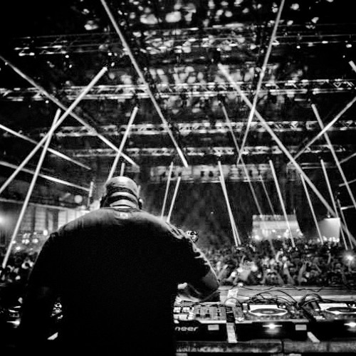 Sonny Wharton - 'Raindance' | Played by Carl Cox live at Timewarp, Mannheim 2013