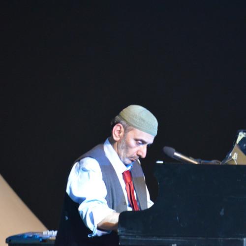 Ziad Rahbani - Ana Mosh Kafer - Cairo Jazz Festival 2013  - انا مش كافر