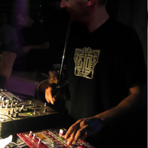 Live sur Korg EMX-ESX  ( Avril 2013 )