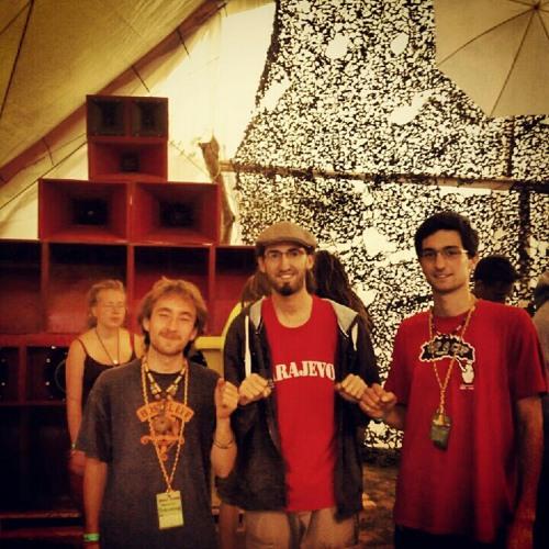 Riding Higher 2012 / Tallawah Sound ls Foundation Rocker & Dubiolin Jam / Twinkle Brothers - Robot