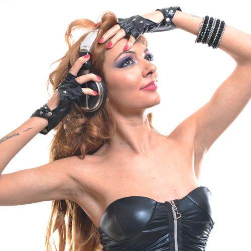 Djane  Melis Akışka -2012 Live Set