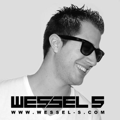 Robbie Mendez & Kevin Carrera ft. Wessel S - Down (Original Mix)