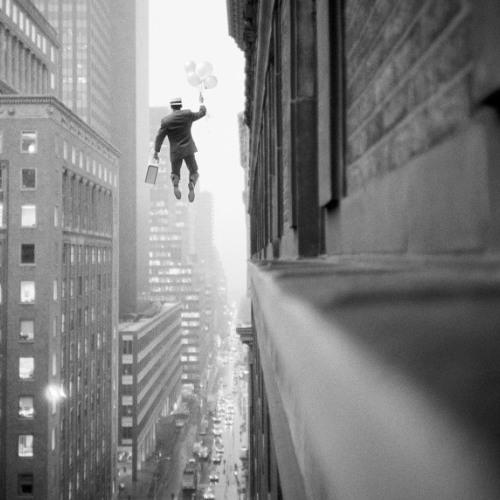 Gravity (feat. Priscila Wulf)