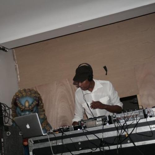 Dumi DJ- [Soulful House Sessions 10.0]