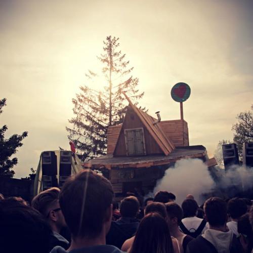 Live-Mitschnitt vom Rave Autonomica Open Air in München am 11.05.2013
