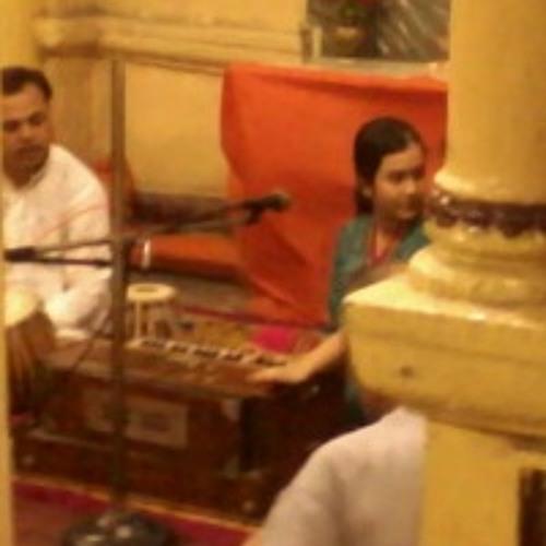 Sayonti singing in Jhamapukur Ramakrishna Sangha