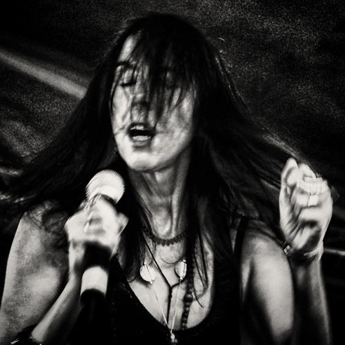 Snakes (Rada&Ternovnik + Nogon Shumarov - Radio MAYAK. Live show 22/04/2013)