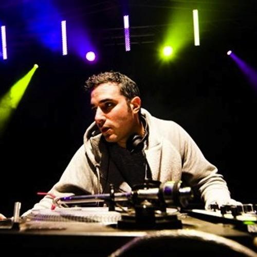 i-DJ: DJ Yoda