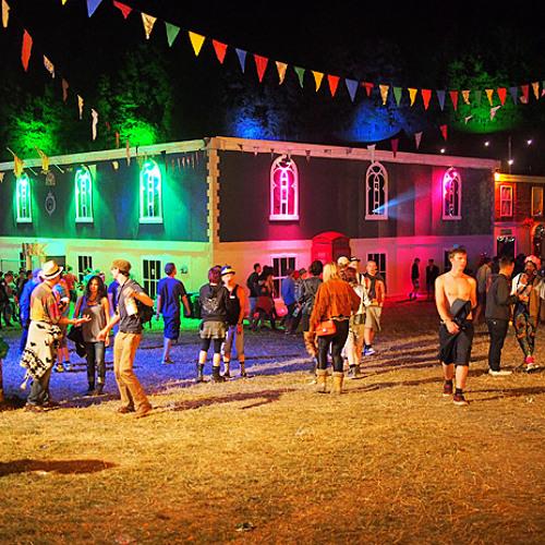 Gardna - Festival Season (ft. Bahia) [Prod. Dreadsquad]