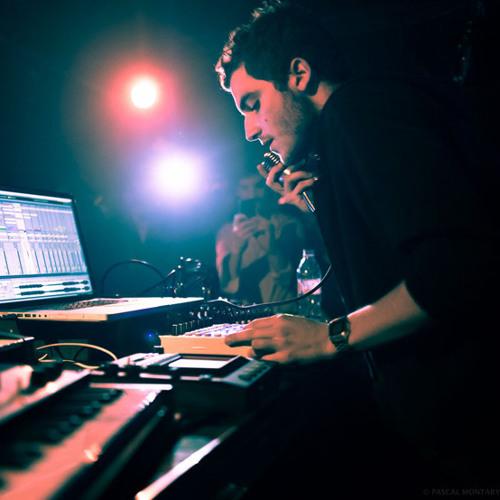 Nicolas Jaar - Unknown track from Boiler Room