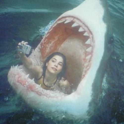 Llesca- Sharks (Pedro 123 Remix)