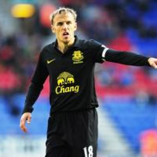 Beecroft: It would be 'too risky' for Everton to appoint Phil Neville as manager