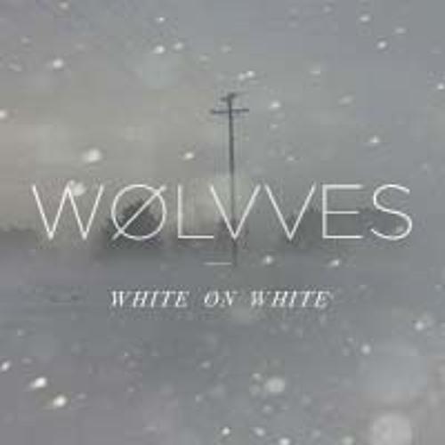 WHITE ØN WHITE